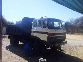 Mitsubishi Tipper truck with ade 352 engine