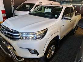 `2017 Toyota Hilux 2.8 GD-6 Xtracab-FSH 232500km-Only R309900