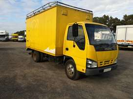 2009 Isuzu NKR (3 ton) with volume body