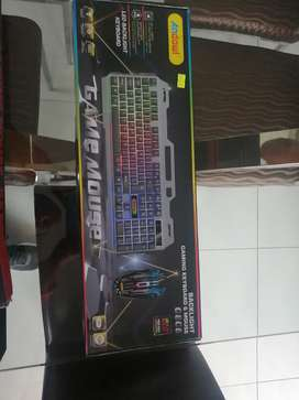 Backlit gaming keyboard and mouse