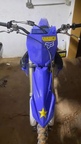 2014 Yamaha yz 250f I will post photos of it with the new plastics&old