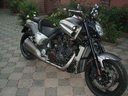 Продам мотоцикл Ямаха V-max 1700 2014 года выпуска