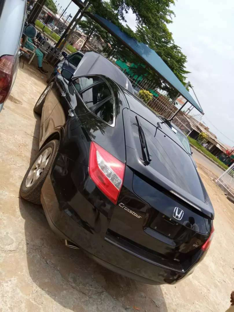 Tokunbo 2010 Honda Crosstour(Duty Paid/First Body And Accident Free) 0
