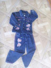 Продам джинсовий костюм на дівчинку 4-5 роки.
