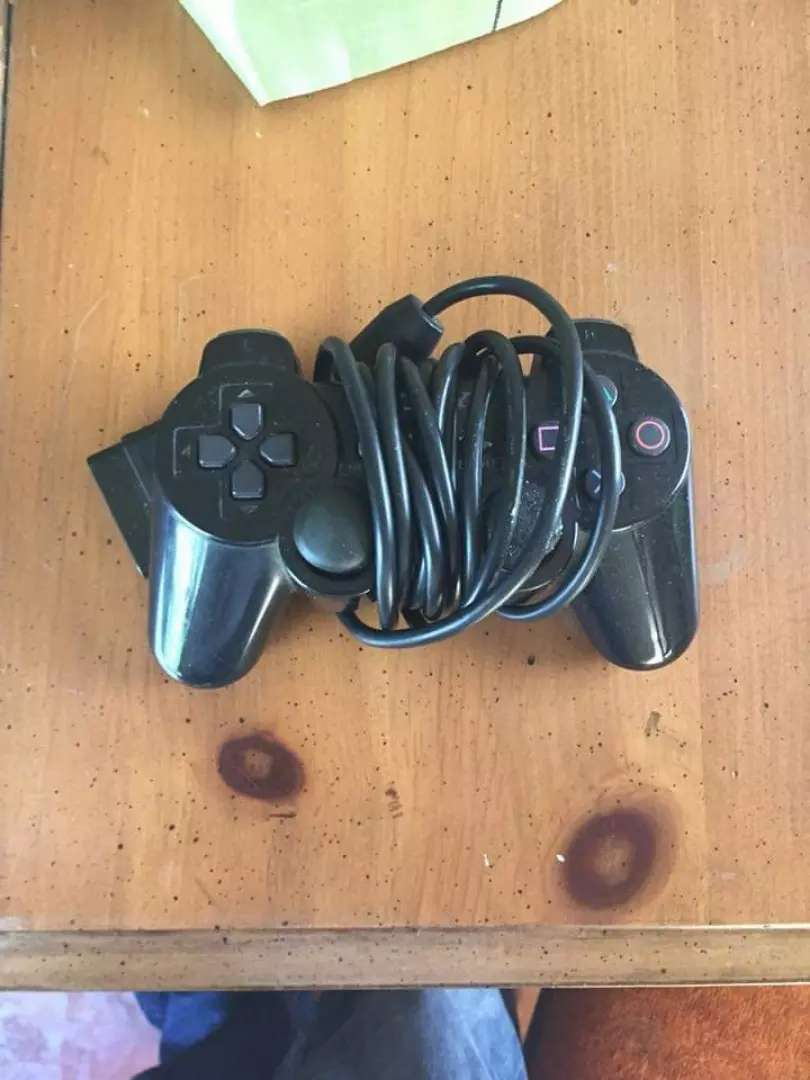 Ps2 controllers 0