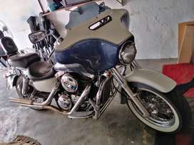 Vulcan 1500 Classic In good running condition. Cruzes like a dream.