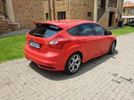 FORD FOCUS 2.0 ST2