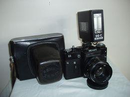"""Фотоаппарат """"Зенит-11"""" и фотоувеличитель"""