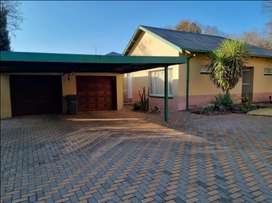 5 Bedroom house for sale in Clubview