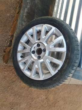 Renault Clio magrim and tyre