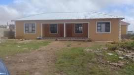 2x Flats, set up of two bedrooms, kitchen, lounge and 2 bathrooms