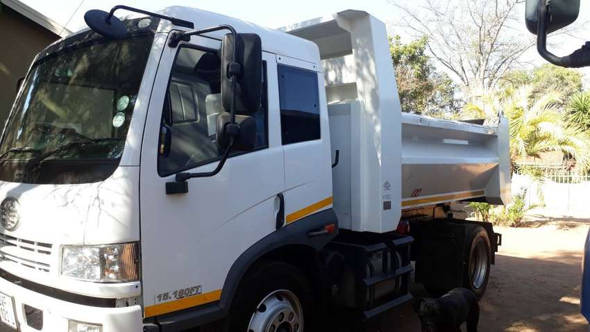 Tipper for Hire 6 and 10 cubic in Lephalale Limpopo 0