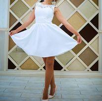 Свадебное, белое платье с кружевом