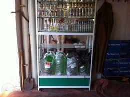 Продам выставочный шкаф стеклянный