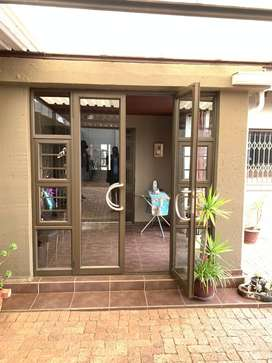 3 bedroom house for sell in primrose large home with all designed