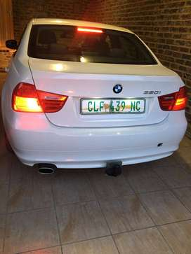 2011 bmw available e90,320i,we can negotiate the price959