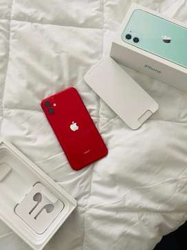 2 weeks old iphone 11 128GB for sell at R18000