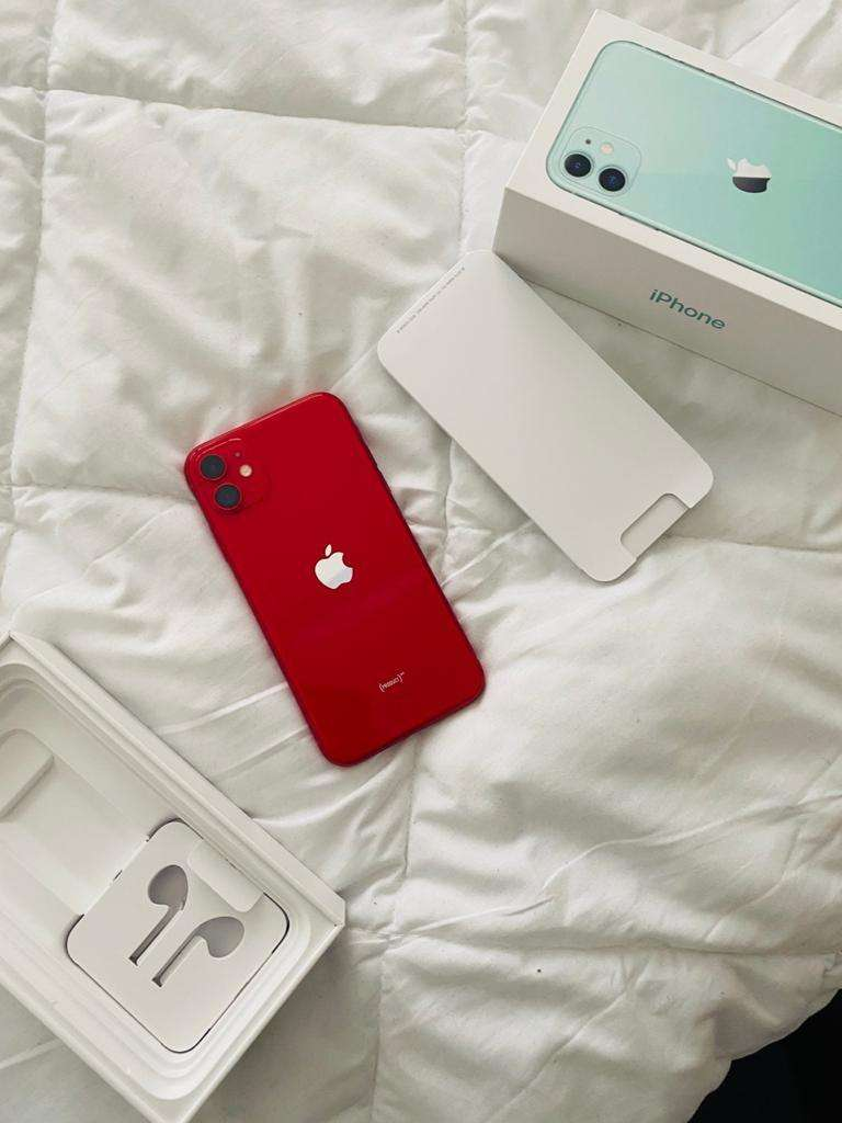2 weeks old iphone 11 128GB for sell at R18000 0
