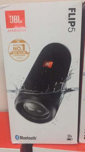 New JBL Flip 5 Bluetooth Speakers