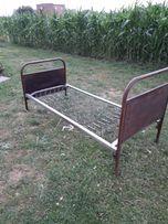 Stare łóżko retro