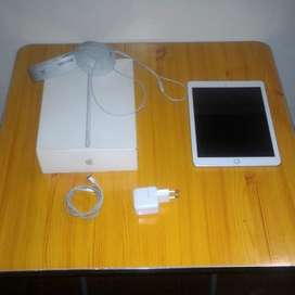 iPad 6th Generation 128 GB Cellular+WiFi