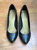 Туфли женские черные на платформе Reserved