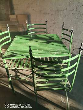 X4 garden chairs and table available immediately