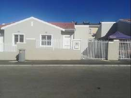 Lovely 2 Bedroom house to rent, Pioneer Valley,  Parklands/Sundown Rd