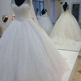 LAGLORIES CREATIVES Wedding Gowns
