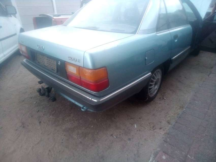 1991 AUDI 500E BREAKING FOR PARTS 0