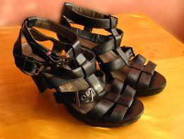 Sandały Skórzane VOX Czarne Roz 38