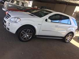 2008 M/Benz ML63 AMG still im great condtion with a FSH