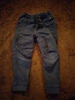 Spodnie chłopięce hm 92