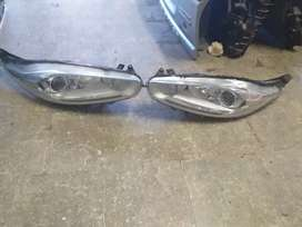 Ford fiesta headlight set