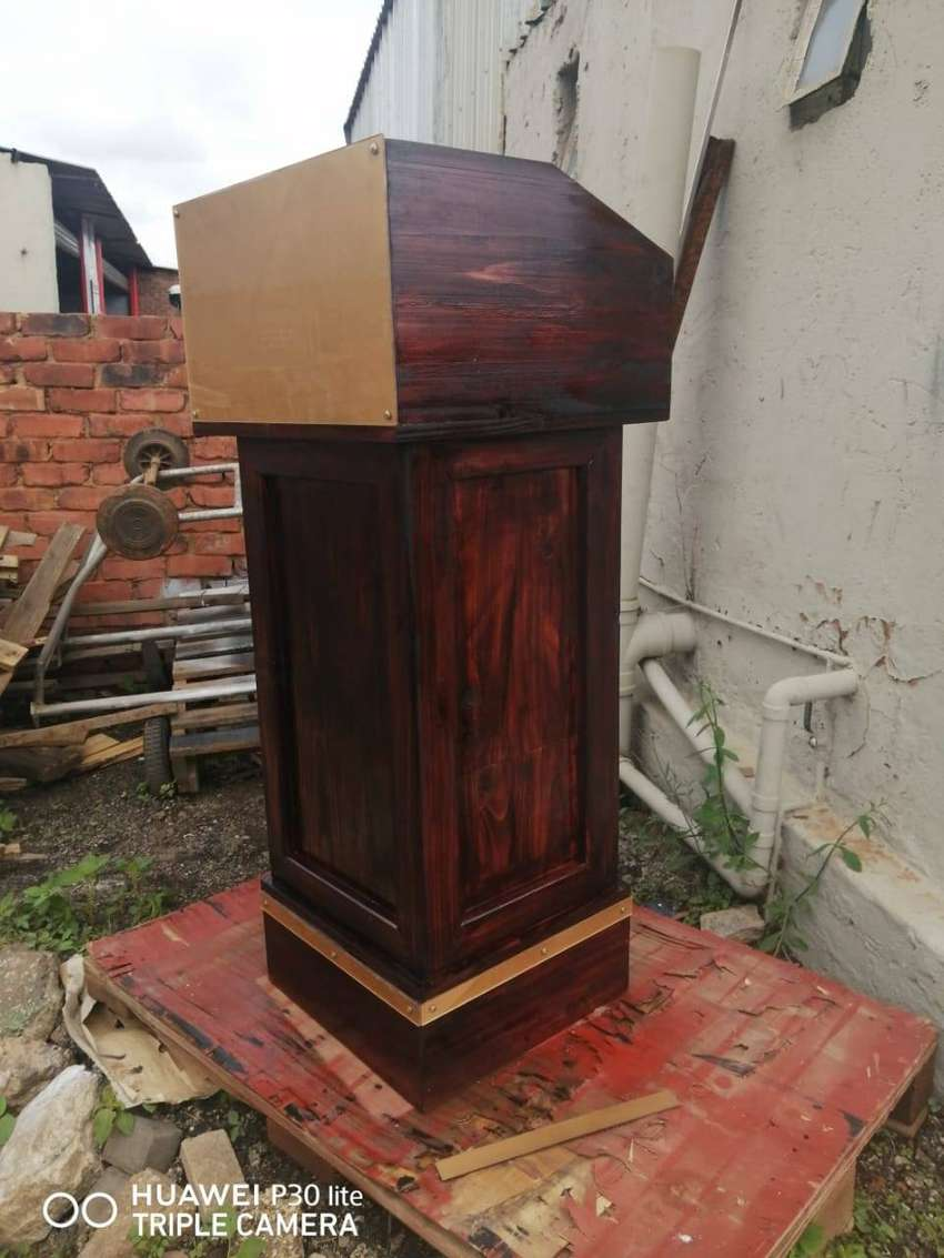DARK WOOD PULPITS/ LECTERNS ON SALE 0