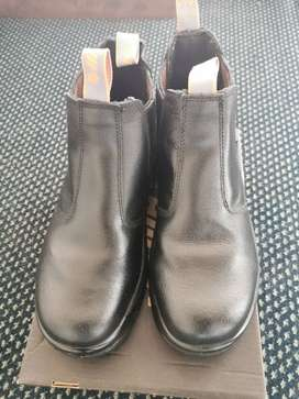 Size 7 and a half black Hi-tec Chelsea boots.