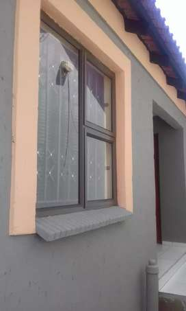 Upmarket rooms available for rental in DOBSONVILLE