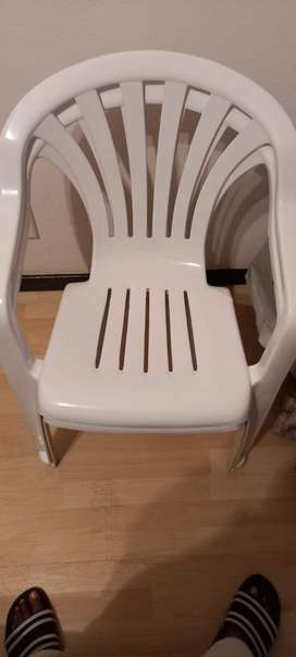 2 plastic chairs - R80 for 2