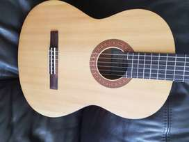 Yamaha C40M classical guitar USED