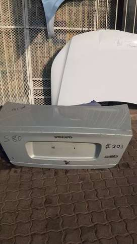 VOLVO S80 TAIL GATE AVAILABLE