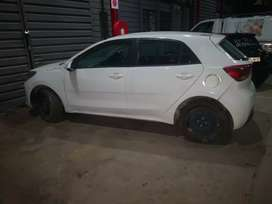 Stripping of 2017 kia Rio for parts with papers