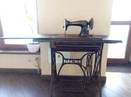 ножная швейная машинка ПГМЗ типа Зингер на станине