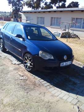 Hi everyone i m selling my polo bujwa on a good condition