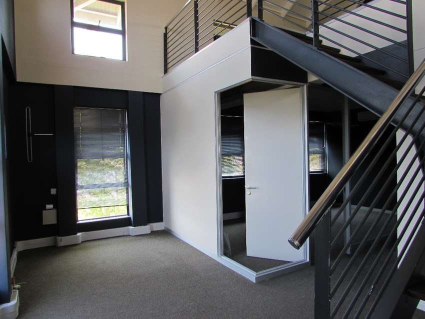 115m2 Office to Let in N1 City 0