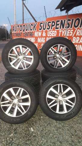 Lockdown Sale: Toyota Hilux/Fortuner 18'' mags and new tyres.