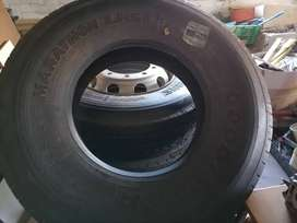 TRUCK Wheels and Tyres