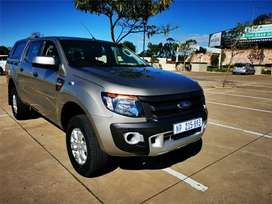 Ford Ranger 2.2 TDCi with Canopy and Leather interior.