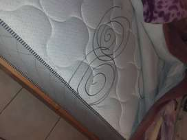 Im selling single twin beds with mattresses and table