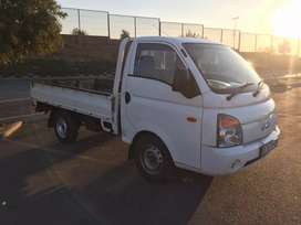 Cheap & affordable bakkie for hire