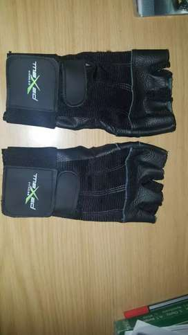 MAXED GYM GLOVES FOR SALE